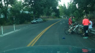 Cyclist eats it - Video