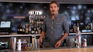 Steve Jobs' Hefeweizen Apple iCocktail, Drink Different - Video