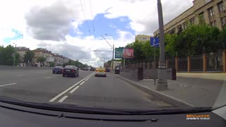 Near Miss After Cyclist Crashes - Video
