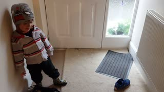 Cute Kid (Accidentally) Swears Whilst Telling His Puppy To Sit - Video