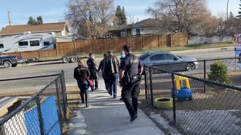 'Gestapo out!' WATCH Canadian cops chased out by enraged pastor