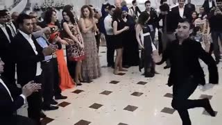 beautiful dance on Azeribaijan wedding