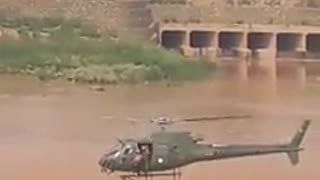 Pakistan Army Saving People from flooded water through Helicopter
