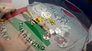 HOW TO MAKE YOUR OWN CHARLIE BROWN THANKSGIVING T-SHIRT