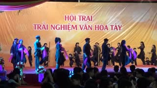 Folk dancing in the North Vietnam - Video