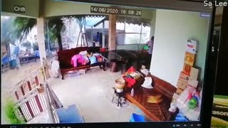 Massive Winds Cause Roof to Collapse