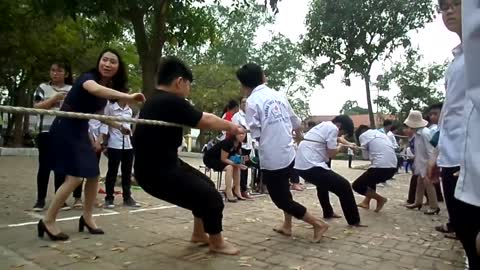Tug of war-Traditional folk games of Vietnamese