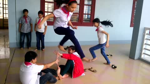 Vietnamese traditional game - Planting flower buds