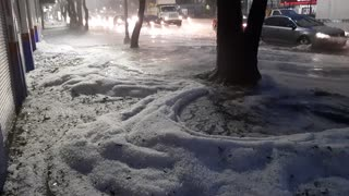 Hail storm in Mexico City looks just like heavy snowfall