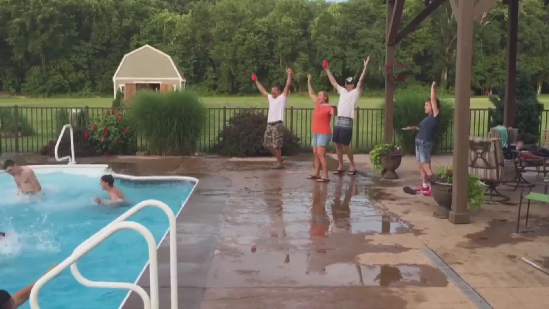 Amazing pool basketball trick shot rumble - Awesome swimming pool trick shots ...