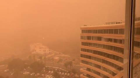 Worst dust storm in 30 years turns Spanish island into Mars
