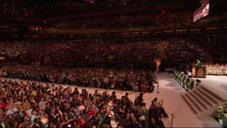 Pope celebrates Mass at Madison Square Garden - Video