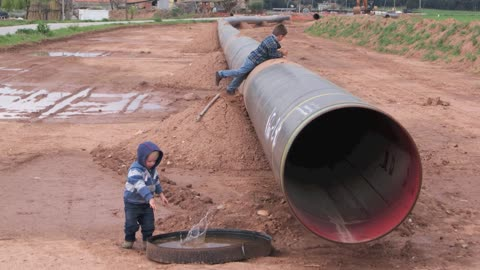 Empty Gas Pipe In Spain Produces Creepy Sound Effects