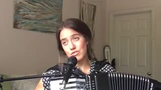 One-person accordion & vocal cover of Taylor Swift's 'Shake It Off' - Video