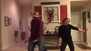 Dad performs epic hip hop dance with daughter - and twerks! - Video