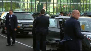 Pope Francis arrives at the U.N. - Video