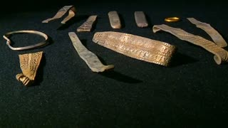 1000-year-old Viking treasure hoard found in Scotland - Video
