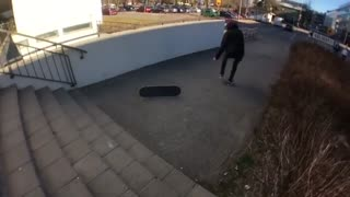 Collab copyright protection - red cap black jeans skateboard ankle - Video