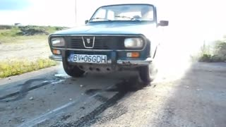 Burnout with a 45-year-old Romanian car - Video