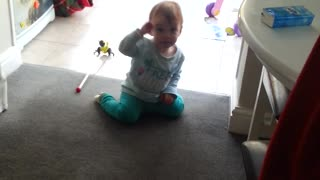 Baby Hannah getting her groove on  - Video