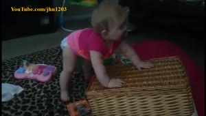 Cutest baby dancer ever? - Video