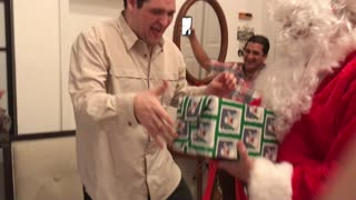 Dad Becomes Santa for Autistic Son - Video