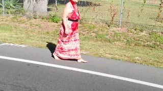 Pensacola, FL Woman Walking Down Highway with Huge Cut in Her Neck - Video