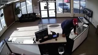 Clumsy Thief Tries to Rob a Store