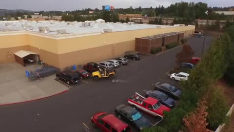 This Is Why You Never Steal A Jeep's Parking Spot