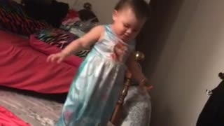 One Little Monkey Jumping on the Bed - Video