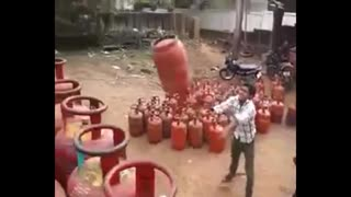 whatsapp amazing video | Unbelievable Gas Cylinder Loading In Truck - Video