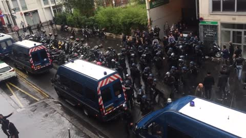 Two synagogues assaulted in Paris after anti-israeli protests