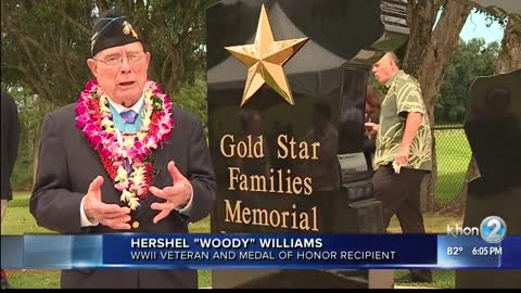 Last Living Iwo Jima Medal of Honor Recipient Paid a Touching Tribute to a Marine Who Saved His Life