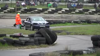 Crash, bang, wallop! Car jumping championship takes place - Video