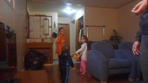 """Dad pranks kids by """"eating"""" all their donuts."""