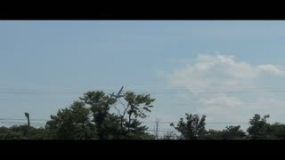 Airplane Flies Low - Video