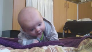 The baby tries to lie down  - Video