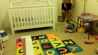 Baby Avery takes a tumble - Video