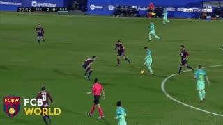 Leo Messi amazing pass vs Eibar - Video