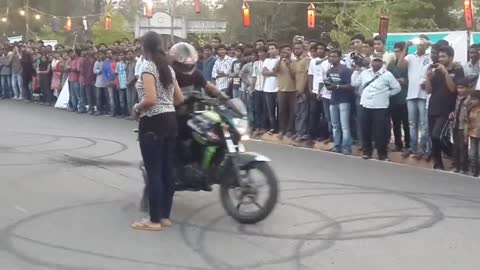 Unbelievable bike stunt