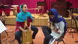 Flamenco Gipsy Kings performance by two young Persian girls - Video