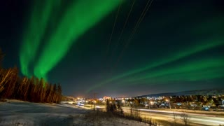 Mesmerizing Time Lapse Of Fascinating Northern Lights Over Alberta In Canada