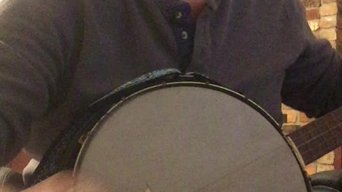 Old fart learning to play banjo