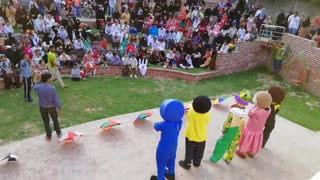 school children fun and cartoon games with artist - Video