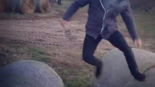 Collab copyright protection - parkour backflip fail grey sweater - Video