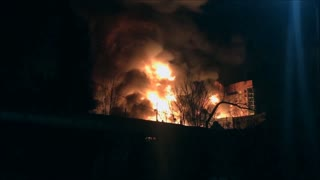 Skyscraper in Downtown Raleigh, NC totally engulfed in flames - Video