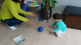 9 Month Old Toddler Takes His First Steps - Video