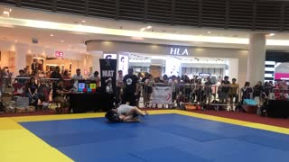Brazilian Jiu-jitsu competition ( caution )