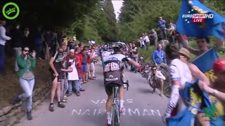 Cyclist owns annoying fan! - Video