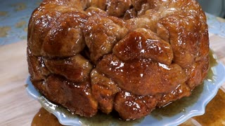 Try out this delicious monkey bread recipe - Video